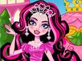 Monster High Oyunlar? Monster High k?z? Draculaura bu sefer prensesli?e soyunuyor. Onu tabut gardrob