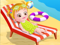 Baby Hazel: At The Beach